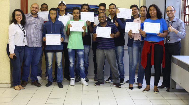 CIC Feitiço da Vila conclui cursos de qualificação profissional